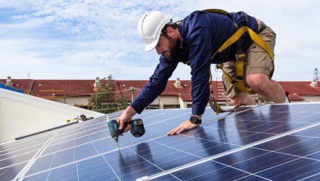 solar-panels-installer